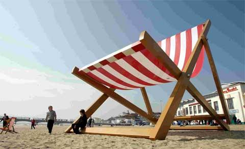 Giant deckchair gets permanent home in Bournemouth
