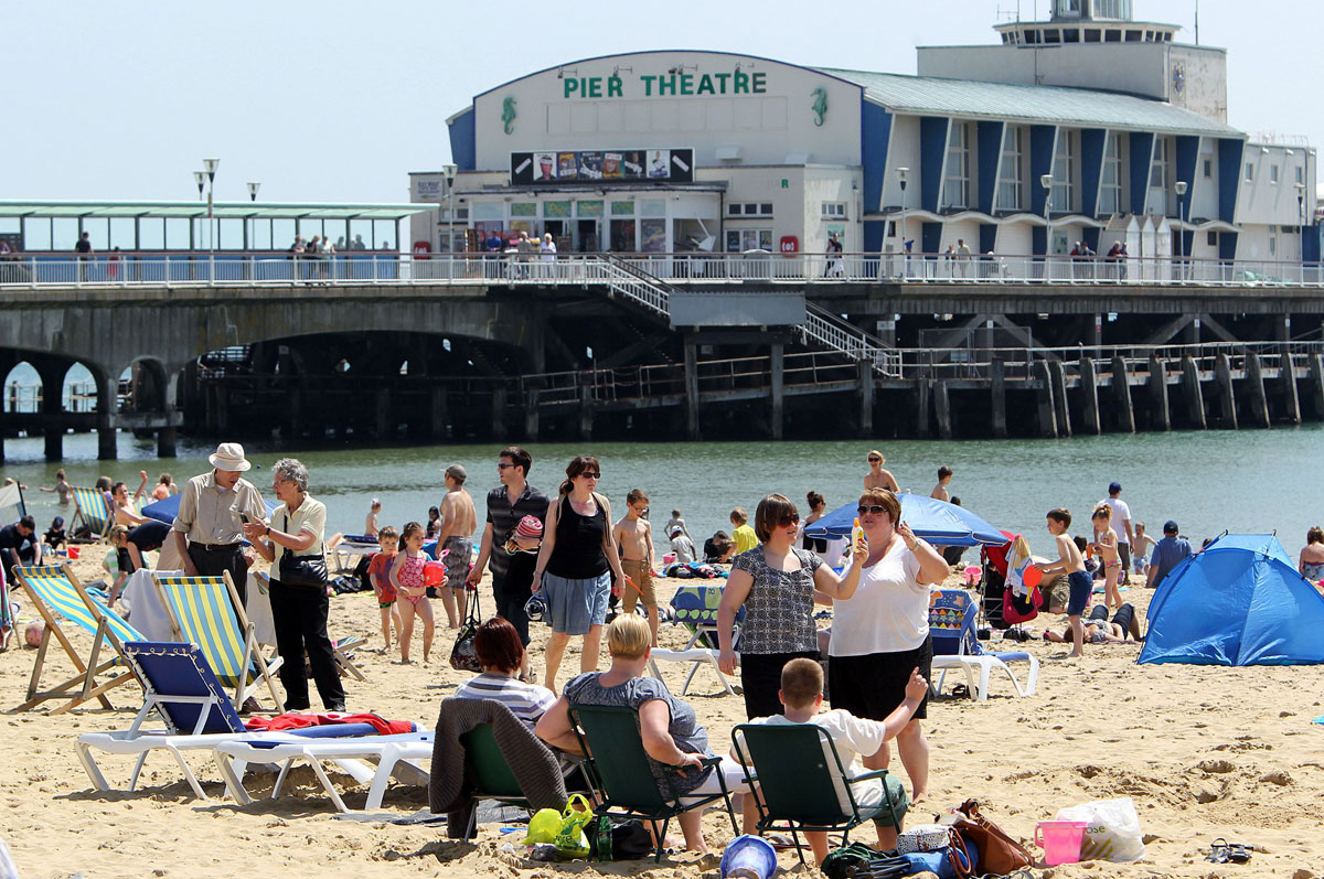 Get ready for the heatwave: hotel rooms running out as sunseekers flock to Bournemouth