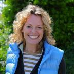 Dorset Beaches: Kate Humble: help make Hengistbury Head 'barefoot friendly' - join me for big beach clean