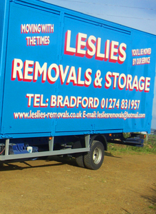 LESLIES REMOVALS